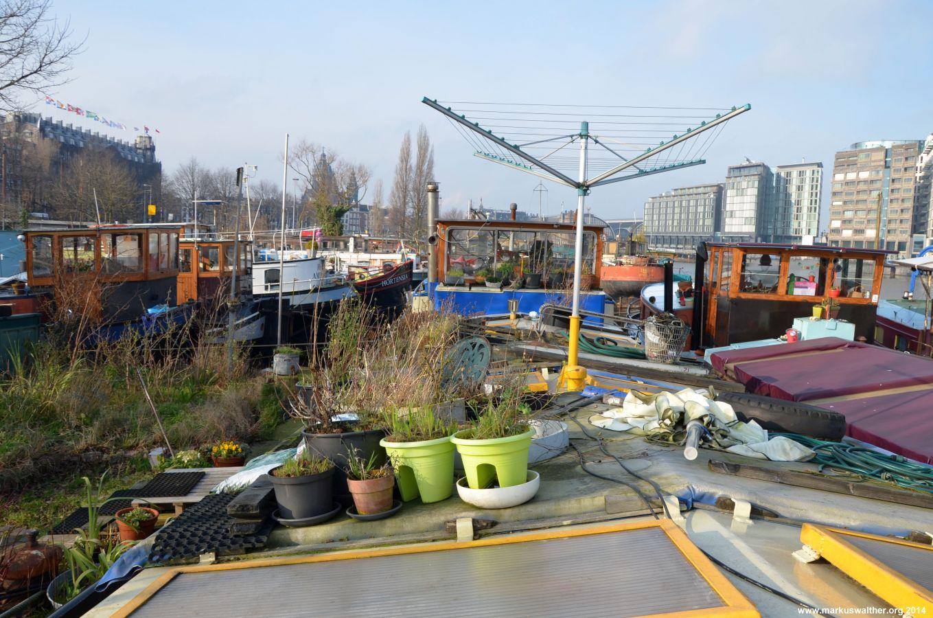 ein hausboot in amsterdam markus walther. Black Bedroom Furniture Sets. Home Design Ideas