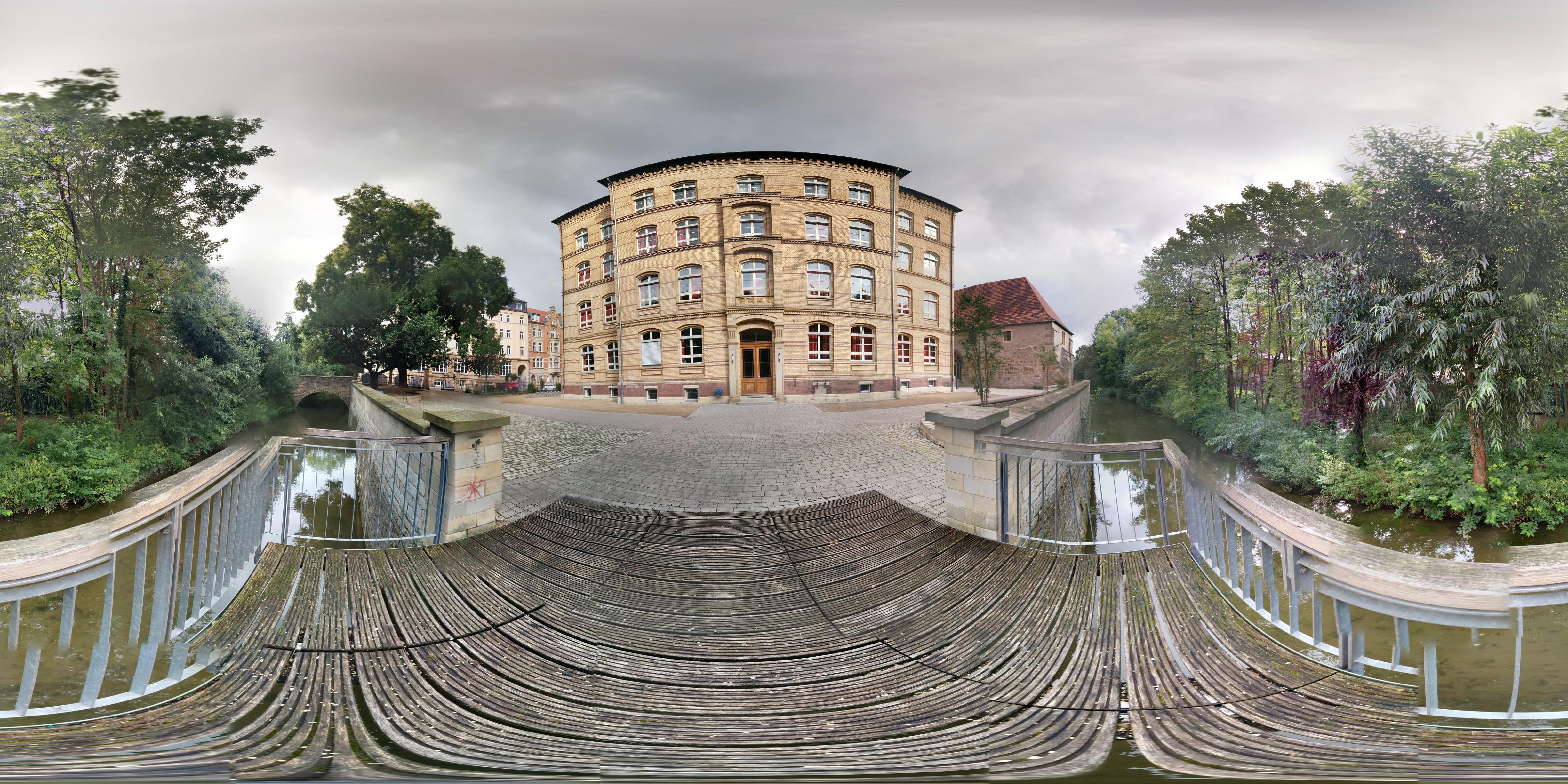 Photosphere Ratsgymnasium Erfurt kleiner Schulhof