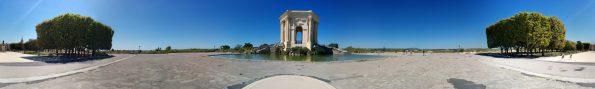 Der Wasserturm im Place royale du Peyrou (Panorama)